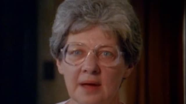S01:E09 - Episode 9 (1988)